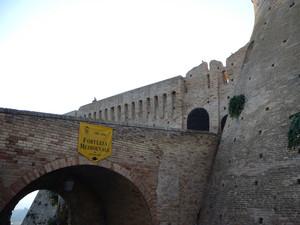Ponte Ingresso Alla Fortezza