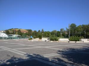 Piazza della Libertà vicino agli impianti sportivi della frazione Villa Sant' …