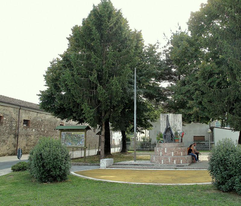 ''San Tomio. Una piazza.'' - Malo
