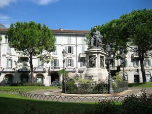 Lecco piazza Alessandro Manzoni