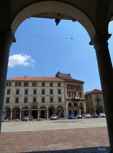 Uno sguardo su piazza Cavour