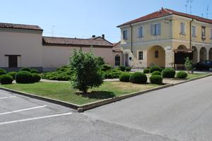 Sartirana,piazza Padre Francesco Pianzola