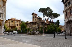 Piazza Mincio al quartiere Coppedè