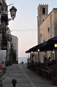 """Piazza Francesco Crispi: """"Una finestra sul mare"""""""