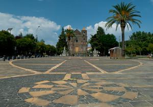 L'inaspettata piazza Madonna delle Grazie