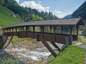 Ponte in legno coperto