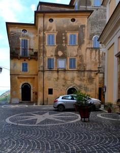 """"""" Nobile vecchiezza """" – Piazza di Santa Maria Maggiore – Falvaterra ( FR )"""