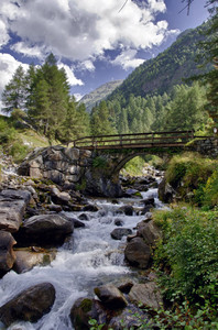 Ponte in pietra sul Valfontana