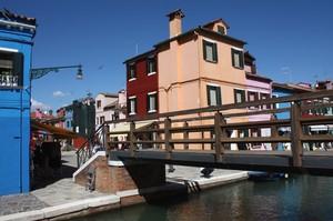 Un ponte tra i colori