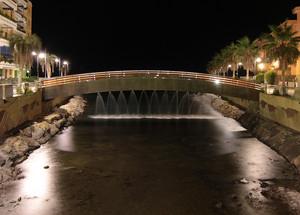 Giochi d'acqua dal ponte sul Rio San Lorenzo