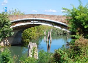Ponte sul canale Roncaiette