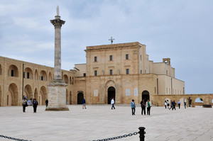 """Piazzale del Santuario della """"Madonna de finibus terrae"""""""