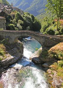 Ponte sull'Ayasse