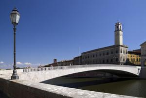 Ponte moderno, contesto antico