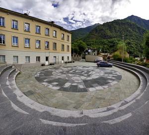 Piazza delle Scuole di Torre di Santa Maria
