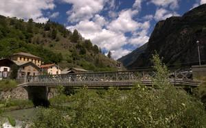 A Le Prese un ponte attraversa l'Adda