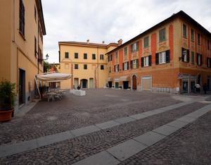 Piazza Carenzi