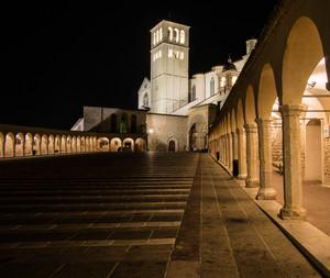 Assisi piazza inferiore