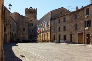 Fantozzi's Holidays: Moresco