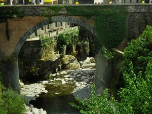 Un ponte…dietro al ponte
