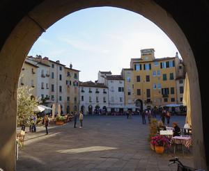 Lucca – Piazza Anfiteatro