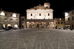 Di sera, passando per Montefalco