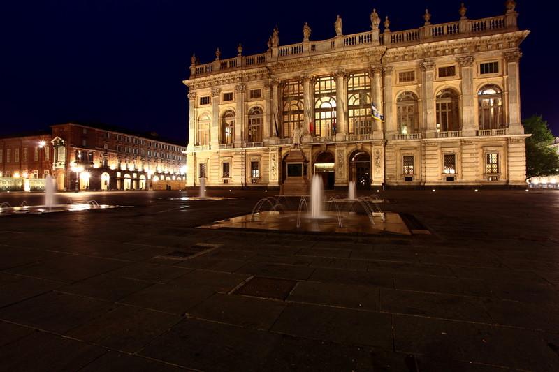 ''Un mattino in piazza'' - Torino
