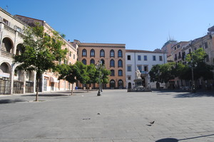 Piazza Tola