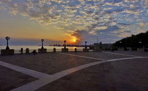 Taranto_Piazza Marinai d'Italia_Sunset