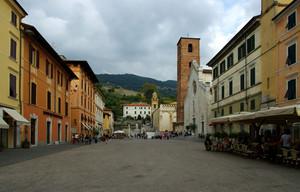 Piazza principale del paese