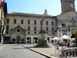 Reggio  Emilia piazza Camillo Prampolini