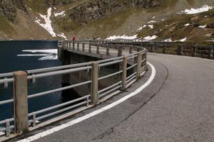 Il ponte diga del lago Agnel