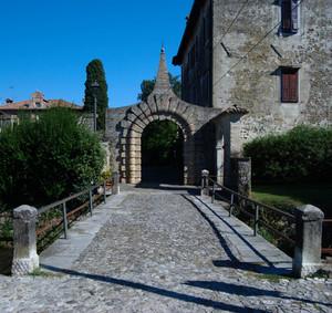 Strassoldo – Ingresso al borgo