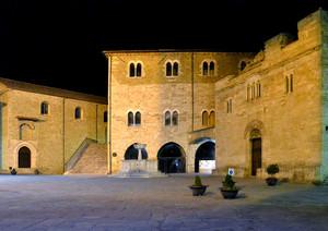 Piazza Silvestri in notturna