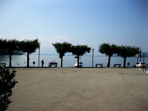 Caldè  piazza Lago