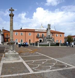 La monteleonese Piazza Municipio