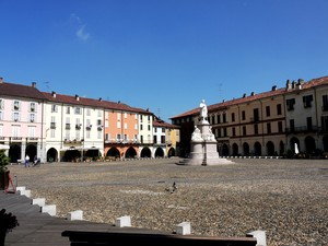 Piazza Cavour…