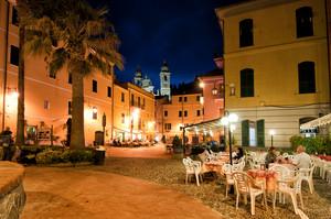 Piazza G.Garibaldi by night
