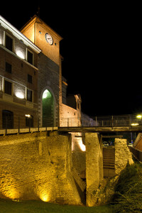Ponte Pedonale per accedere alla Piazza di Cerreo d'Esi
