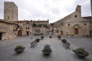 Piazza San Martino, Tarquinia