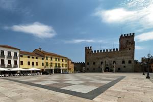 La Piazza Castello