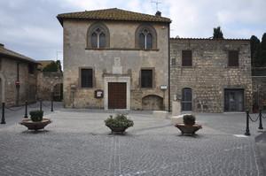 Piazza Titta Marini, Tarquinia