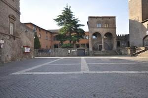 Piazza San Lorenzo, Viterbo