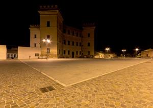 Piazza Santo Spirito di notte