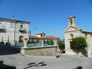 Una chiesa quasi in piazza