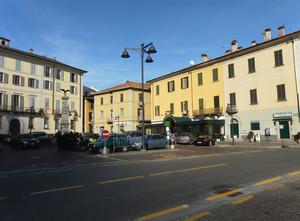 piazza Paracchini a Dongo