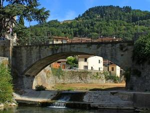 Ponte sul torrente Comano