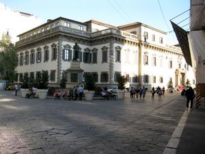 Milano piazza Cesare Beccaria