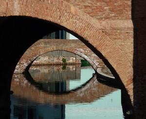 Giochi di ombre e ponti