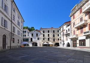 Piazza Gandolfi 2